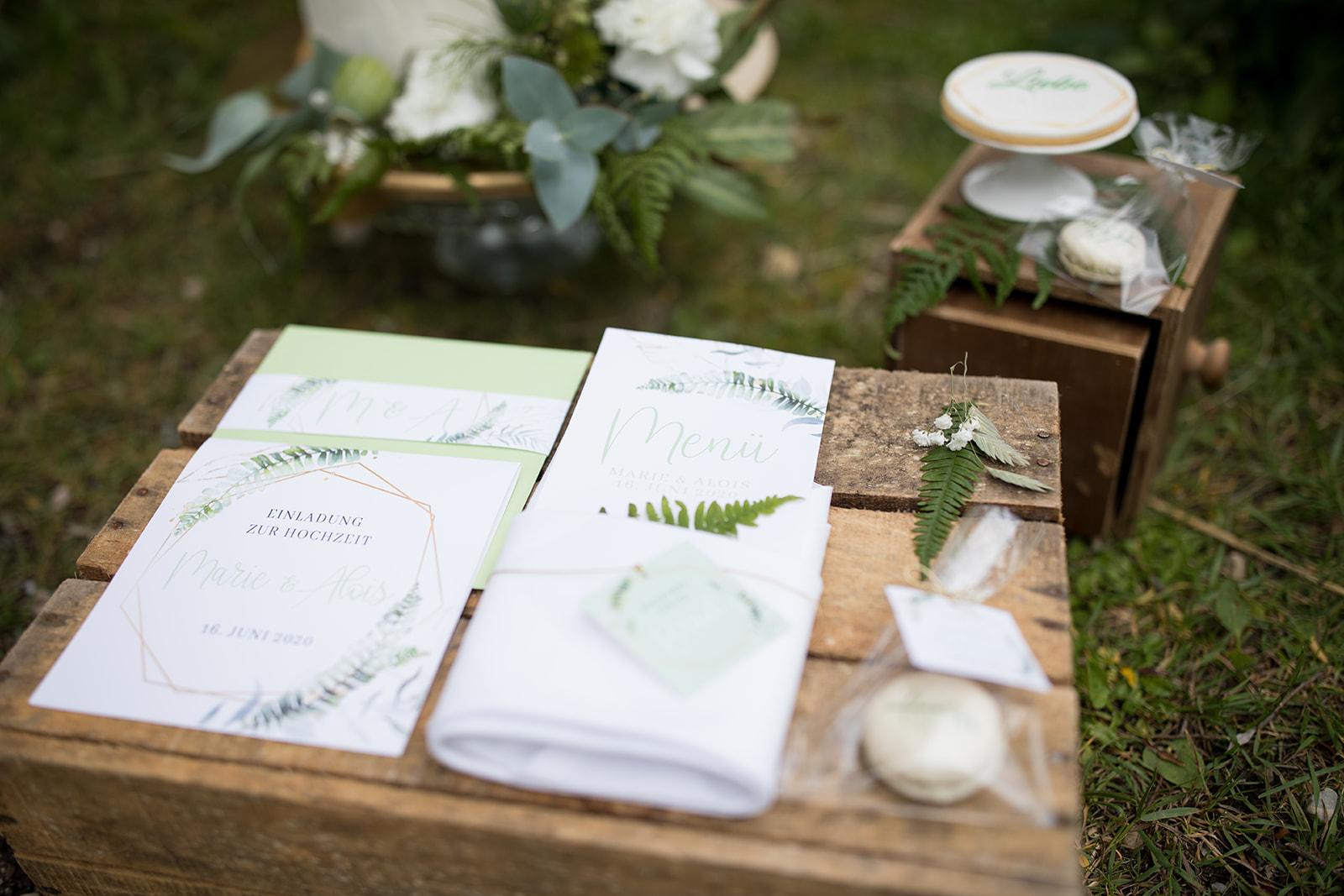 Greenery Wedding Papeterie nachhaltig heiraten grüne Hochzeit