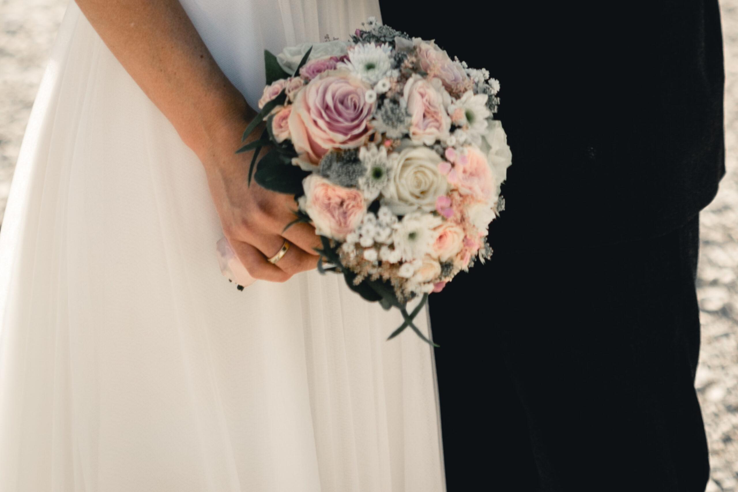 HeimArt Design Brautstrauß Vintage Hochzeit Papeterie Kirschblüten