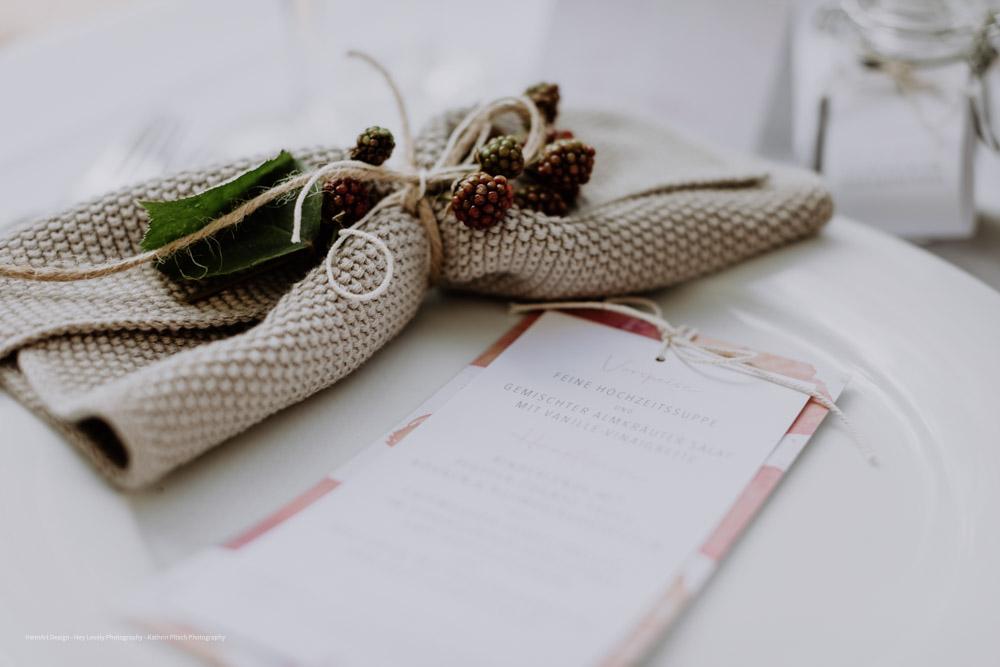 HeimArt Design Papeterie Mohnblumen Menükarten Tischdekoration Chiemsee Hochzeit