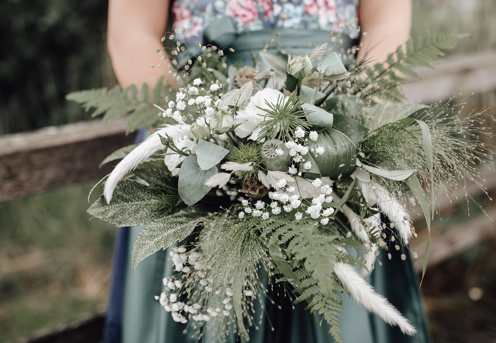 HeimArt Design Papeterie Chiemsee Hochzeit Greenery Wedding Brautpaar Brautstrauß