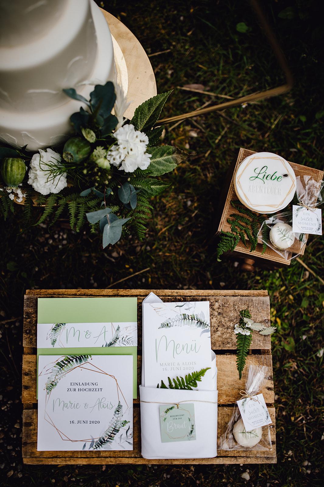 HeimArt Design Papeterie Chiemsee Hochzeit Greenery Wedding Gastgeschenke Papeterie Zuckeralm